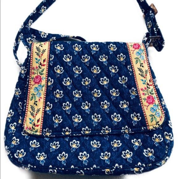 Vera Bradley Handbags - NWOT Vera Bradley Crossbody Purse Handbag